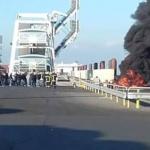 Ewakuacja promu i portu w Calais! Imigranci zaatakowali!