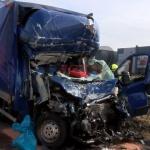 Niemcy: 25-letni kierowca busa zginął. Brak korytarza ratunkowego!
